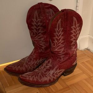 Ariat red cowgirl/ cowboy boots